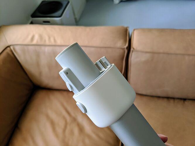 ROIDMI-F8-Cordless-Vacuum-Connector