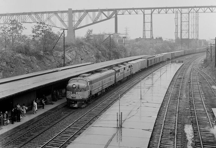 Jim%20Shaughnessy%20Essential%20Witness%20Sixty-Years-of-Railroad-Photography-3