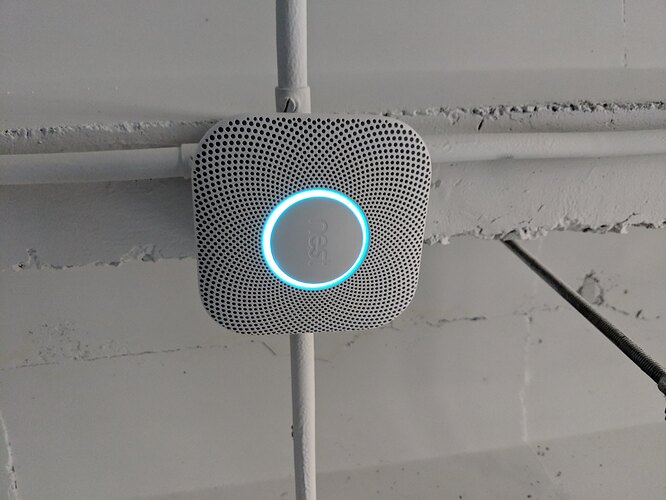 Nest-Protect-Glowing-Installed