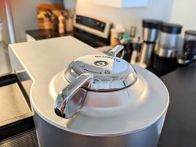 Nespresso-Evoluo-Capsule-Lock