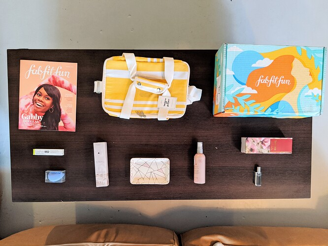 FabFitFun-Summer-2020-Box-Contents