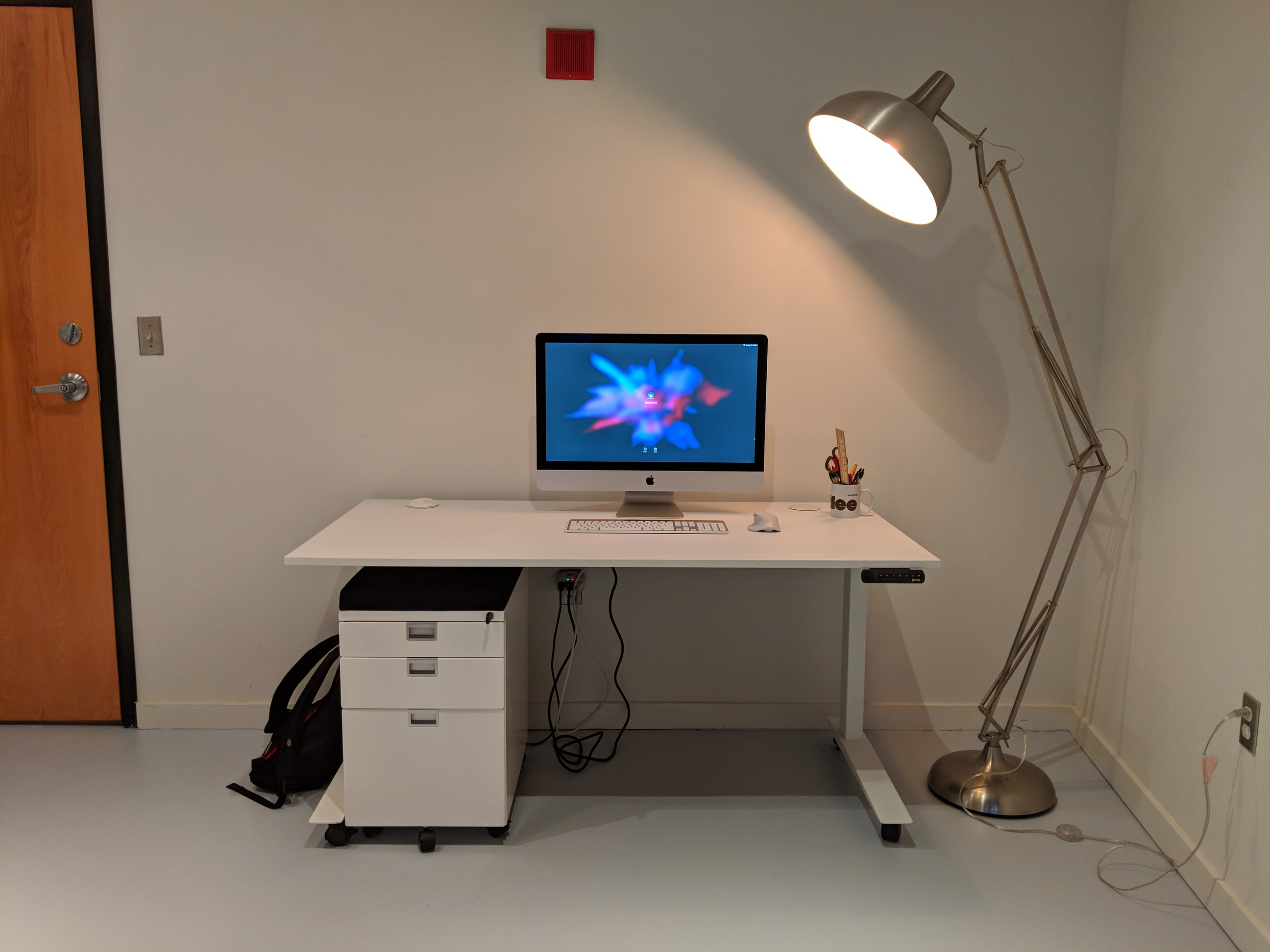 Picture of: Jarvis Standing Desk Shipping Problems Issue Resolved Reviews Product Dork